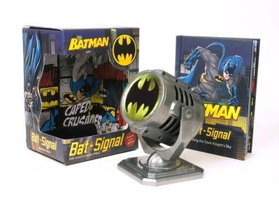 Batman: Metal Die-Cast Bat-Signal - Running Press