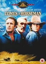 Comes a Horseman - Alan J. Pakula