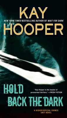 Hold Back the Dark - Hooper, Kay