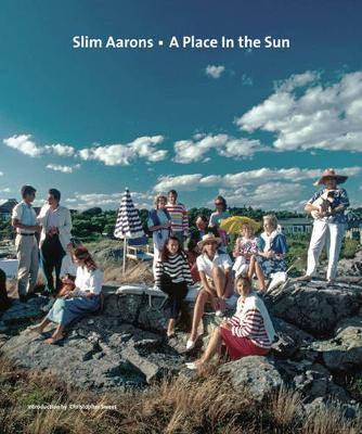 Slim Aarons: A Place in the Sun - Aarons, Slim (Photographer), and Sweet, Christopher (Introduction by)