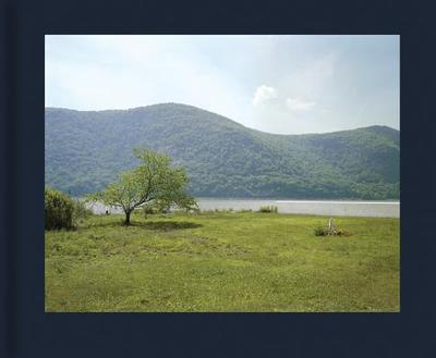 Stephen Shore - the Hudson Valley - Faconti, Dana (Editor), and Dahlberg, Laurie (Text by), and Shore, Stephen, Edd (Photographer)