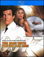 The Man with the Golden Gun [Ultimate Edition] [Blu-ray] - Guy Hamilton