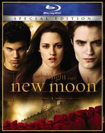 The Twilight Saga: New Moon [Blu-ray] [With Tote Clip] [Barnes & Noble Exclusive]